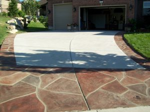 Decorative border with Broom finish - Overlay Driveway